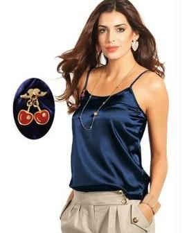 Confira aqui as dicas de modelos de blusas de cetim!